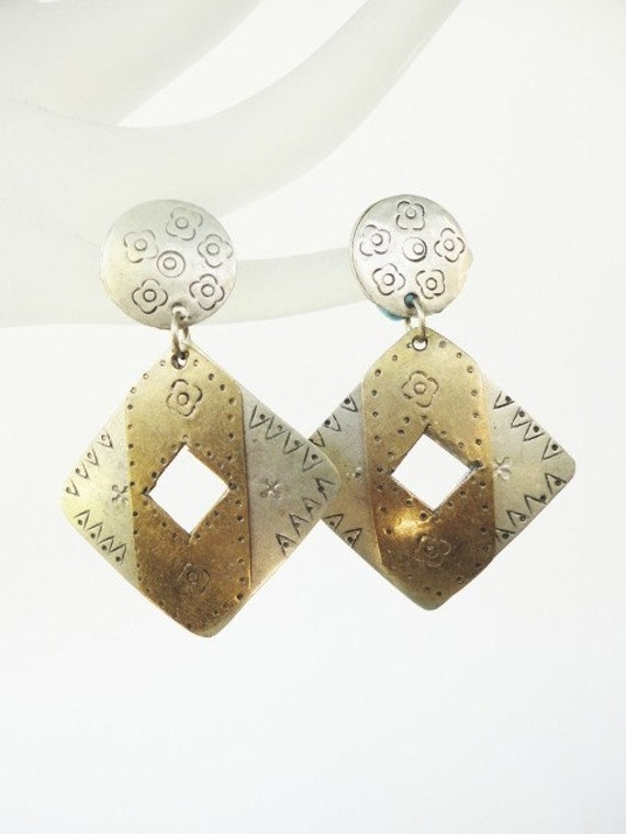 funky retro handmade dangles earring with flowers decor