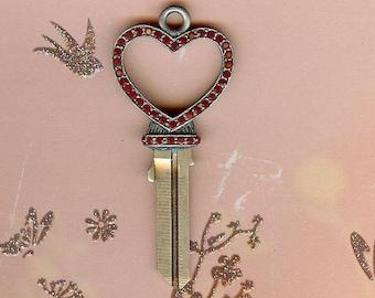 pave' open heart key