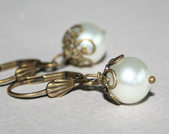 Antique White Pearl  Earrings