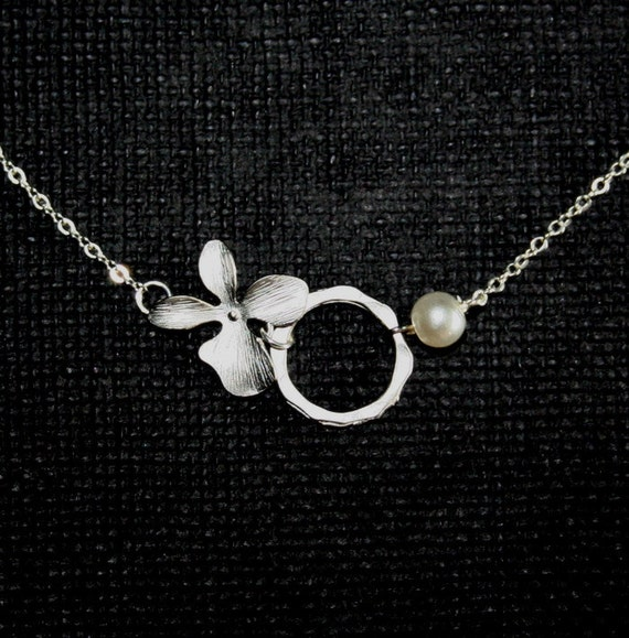 Silver Orchid Necklace With Circle and Pearl, Orchid Necklace, Flower Necklace, Bridesmaid Gift, Wedding Jewelry, Sterling Silver