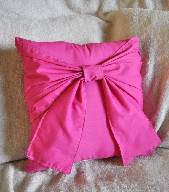 Etsy Pink Throw Pillow : Items similar to Pink Bow Throw Pillow -Ready to Ship- Decorative Pillow on Etsy