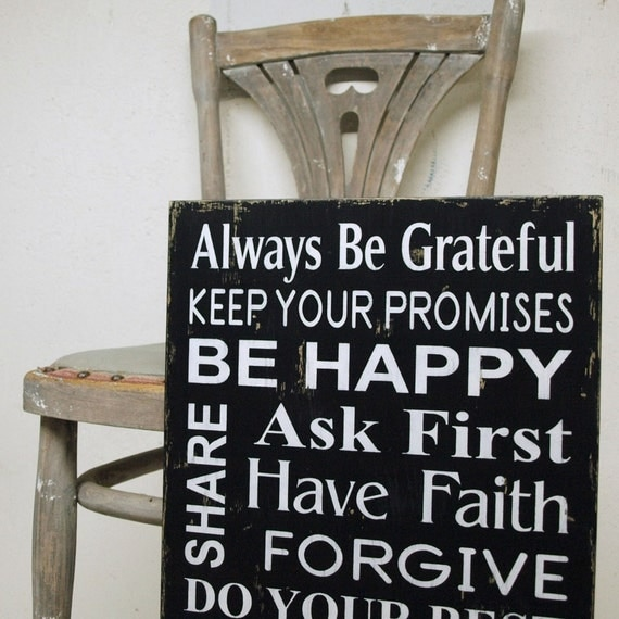 Family Rules Sign in Black and White. Vintage Style in Wood. Always Be Grateful, Be Happy, Say Your Prayers, Forgive. Version 2