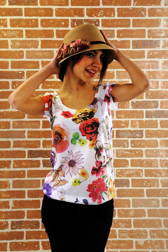 Floral Print women t shirt, Red flower women shirt, women's fashion