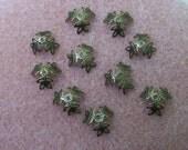 40 pcs. Leaf bead cap antiqued brass - 2542