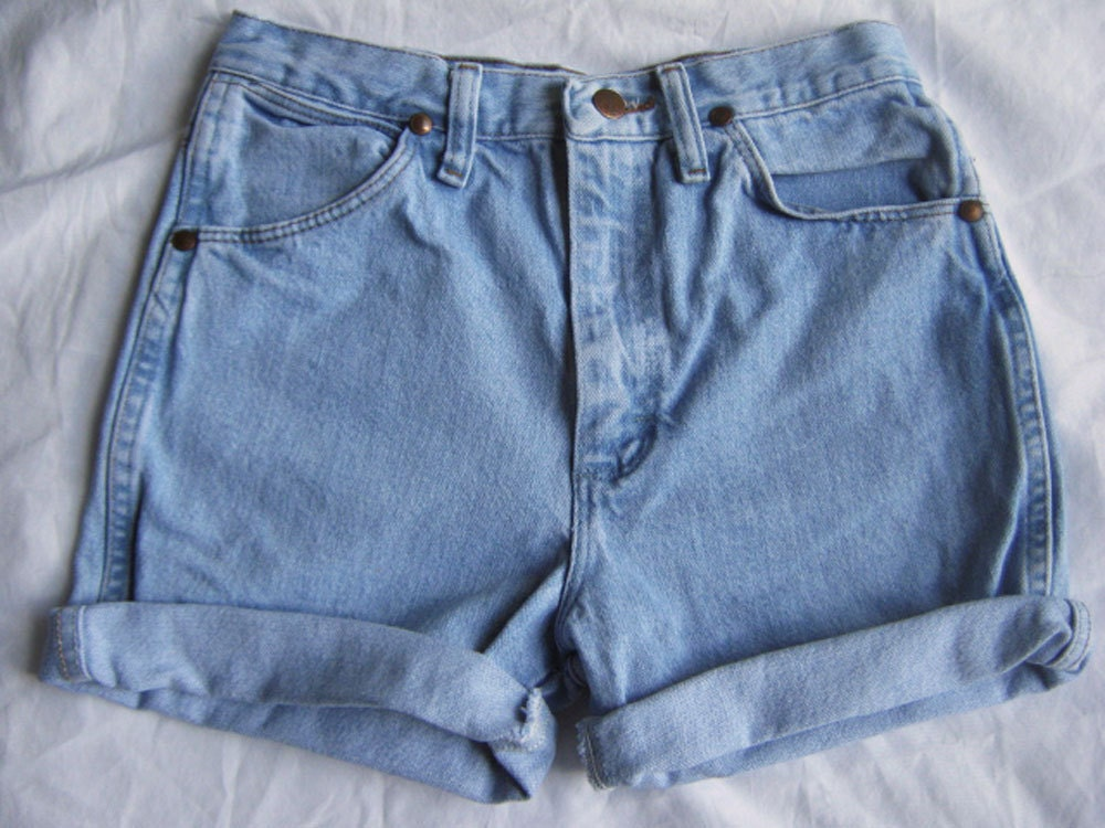 Light blue high waisted denim shorts – Your new jeans photo blog