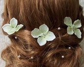 15 pcs - Crystal Centered Green Hydrangea Flower Hair Pins with Single Pearl Clips - Perfect for Weddings, proms and special events
