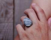 Pebble adjustable ring