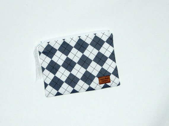 Snackh Size Reusable Bag - Gray and White Argyle