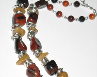 CHuNkY AgATE necklace - Red black Agate Nuggets