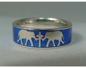 Silver elephant band with blue enamel