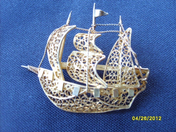 Gold Filigree Brooch, Ship Pin, Vintage European Gold Filigree Ship Brooch,  Sailing Ship Three Masted Vermeil Accessory Pin Estate Jewelry