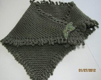 Hand Knit Self-Fringed Neck Wrap Scarflette Moss Heather
