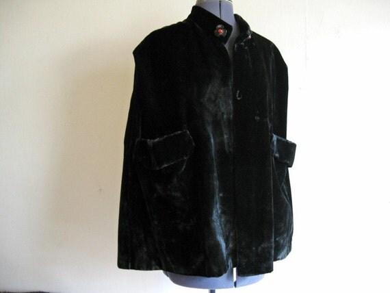 art deco detailed 30s black velvet cape