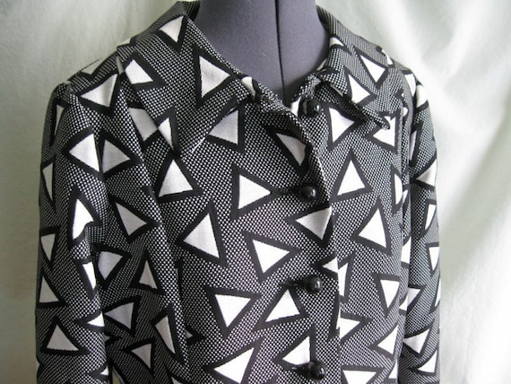 vintage black and white graphic 60s mod op art princess coat with red lining