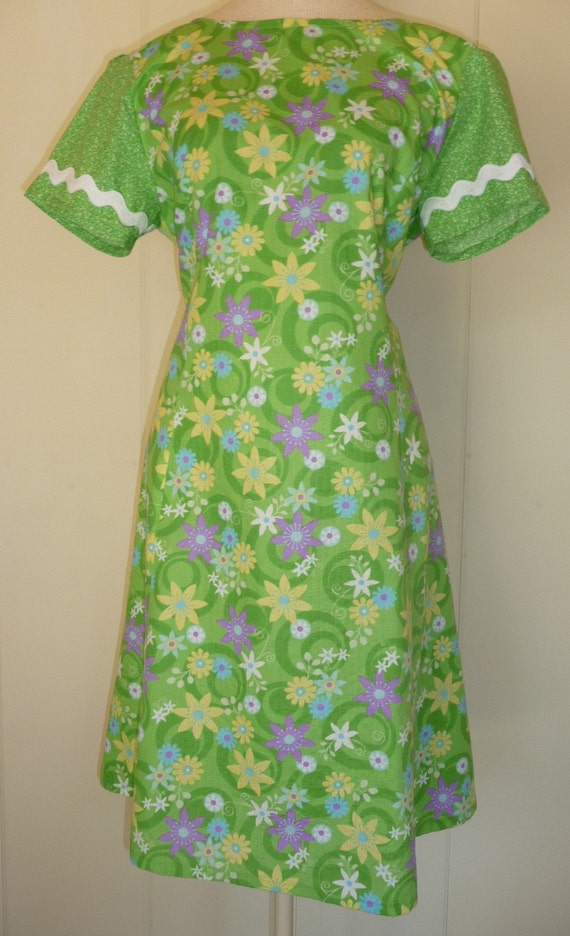 Vintage Green house Day dress Handmade Size Large