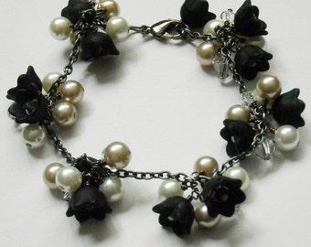 Lady in Black handflower Bracelet, Cuff bracelet, beadwork bangle, black, bronze, wedding, Bridal, Free Shipping