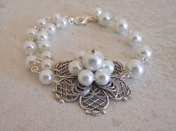 Ana's Flower Bracelet, Double pearls, friendship bracelet, flower charm, Gift, Wedding bracelet, Bridal, White pearls