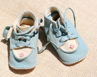 Vintage Felt Shoes Baby Booties Light Blue with Tiny Pink Flower