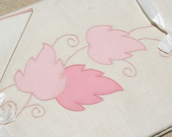 Vintage Linen Tablecloth 8 Napkins Imperial Sherwood Pattern Pink Leaves