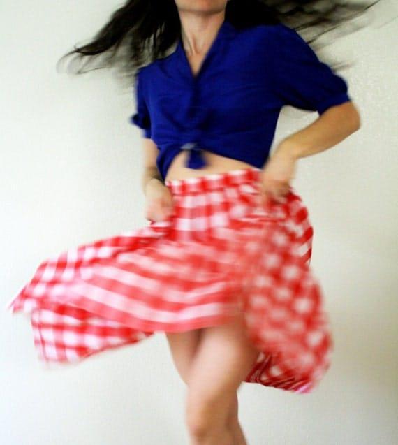 1970s skirt . tiered gingham skirt . cotton summer skirt