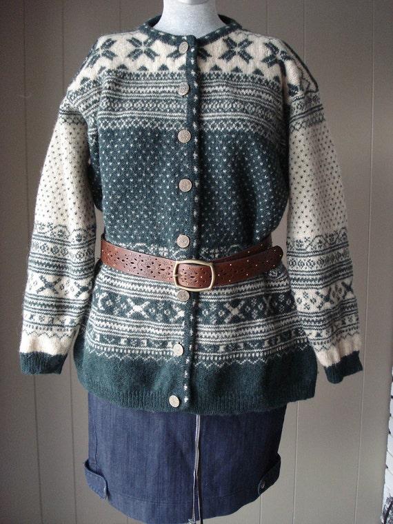 WINTER SALE Ladies Vintage  Shetland Wool Sweater By Blueberry