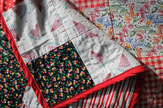 Farmhouse  Watermelon Quilt with wool blanket liner 93 x 76 inches Extra long Queen Cottage Shabby