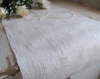Rustic White Linen Table Runner, Romantic Cottage Chic, Vintage French Country Farmhouse Decor, Bridal, Wedding Gift, Handwoven Lace Blocks