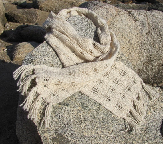 Cream White Alpaca Scarf, Handwoven Scarf, Ivory White Lattice Weave, Natural, Winter, Autumn Fashion, Urban, Beach Cottage, Cabin Style