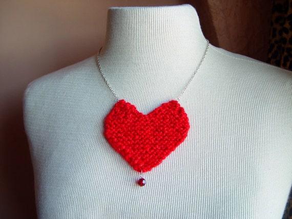 Bleeding Heart Knit Necklace