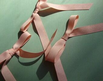 """25 pieces 5/8"""" width Grossgrain Peach Ribbon Bows"""