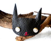 Moggy Brooch - leather cat brooch