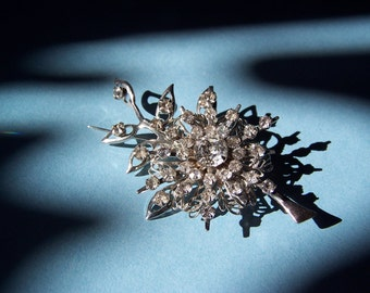 Brooch Silver tone Floral Cluster with Rhinestones