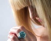 Las Palmas Porcelain Ring With Delicate Flower Decoration Turquoise Green Color