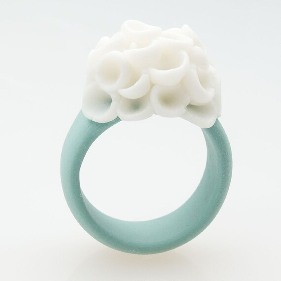 El Medano Porcelain Ring With Delicate Flower Decoration