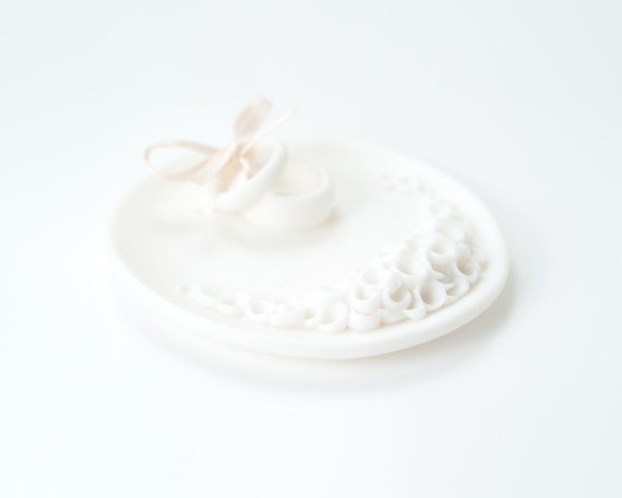 Porcelain ceramic ring  bearer wedding  ring dish decorated with white cluster flowers, commitment ceremony