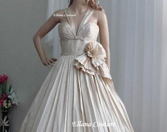 SAMPLE SALE. Retro Style Dupioni Silk Wedding Dress. Vintage Inspired Tea Length.
