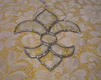 Stained glass Fleur-de-lis bevel suncatcher