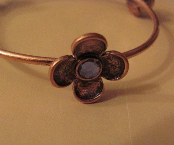Delicate Flower  Bangle Bracelet With Blue Stones