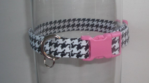 DOG COLLAR - black and white houndstooth with pink buckle - adjustable