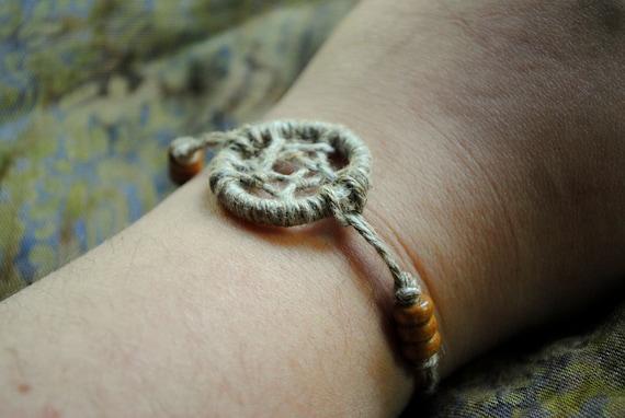 Simple Hemp Tie-on Waking Dreamcatcher Bracelet with Wooden Beads