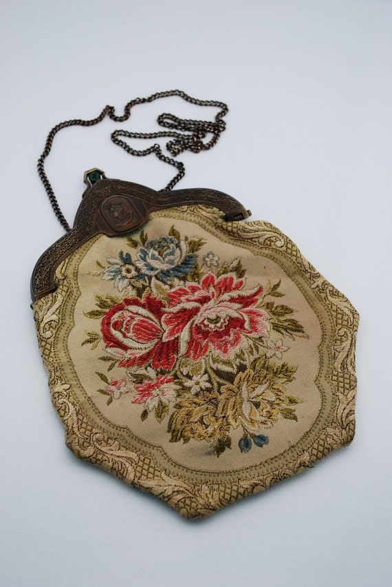 Vintage Carpet Bags of America Cast Metal Frame Tapestry Bag with Cameo