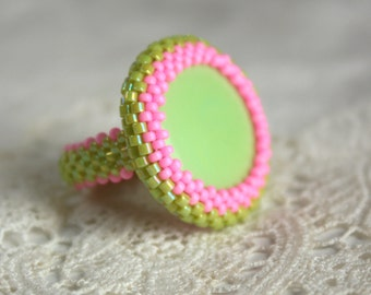 Beaded Bezel Cocktail Ring with Minty Green Glass Cabochon and Hot Pink and Mint Seed Beads