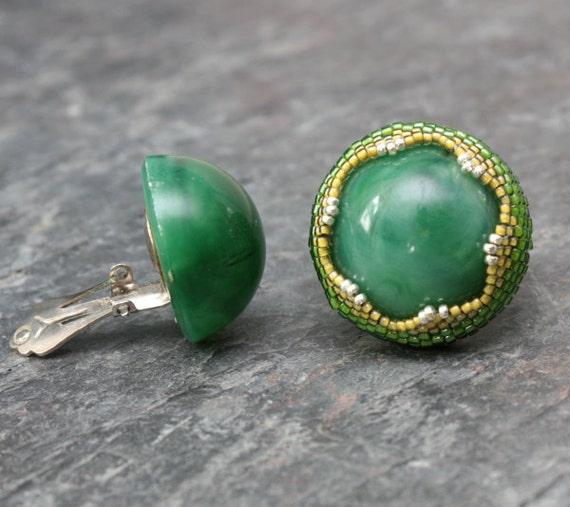 Green Garden Snake Beaded Bezel Ring With Vintage Green