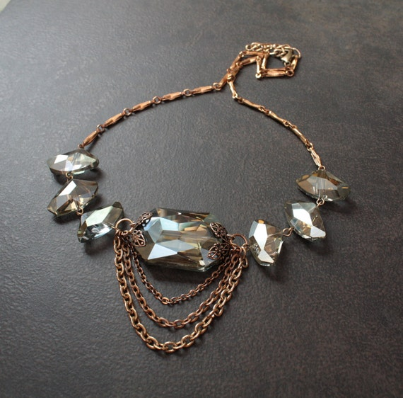 Moss Green Faceted Crystal Edwardian Necklace with Antique Brass Details