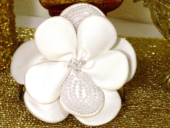 Bridal Comb of Satin and Pearls