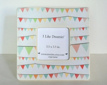 Happy Bunting Picture Frame