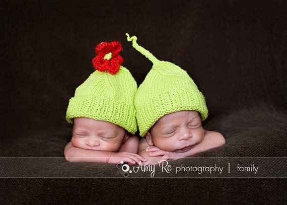 IN STOCK Twin set cotton knit hatsTwo peas in a pod,  seamless hats for twins boys or girls, Newborn-3 months or any sizePerfect photo prop