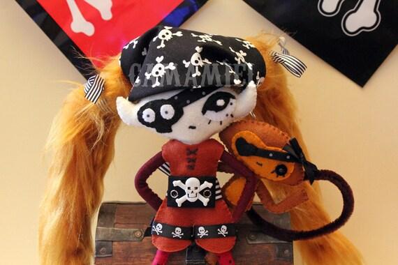 Doll Piratruska and monkey Monalola
