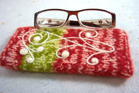 Felted Glasses Case Arabesque Design