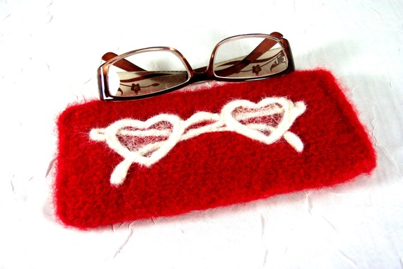 "Glasses Case  ""Through Heart-Shaped Glasses"" in Red and White"